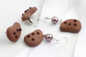 orecchini a forma di biscotti