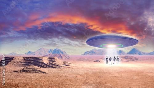 ufo-i-kosmici-na-pustyni