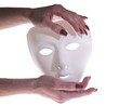 mani con maschera