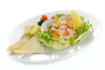 Krabbensalat mit Toast und Butter