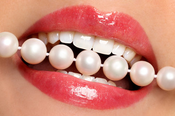 Lips and pearls