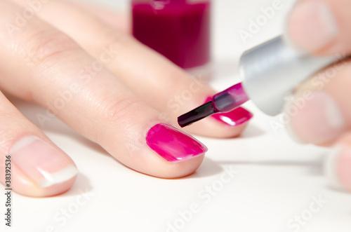 fingern gel lila lackieren stockfotos und lizenzfreie bilder auf bild 38392536. Black Bedroom Furniture Sets. Home Design Ideas