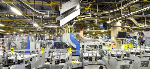 Leinwandbild Motiv Versandzentrum einer Druckerei // High Techn industry company