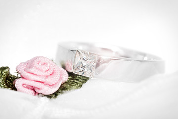 Ring mit Rose - Makro