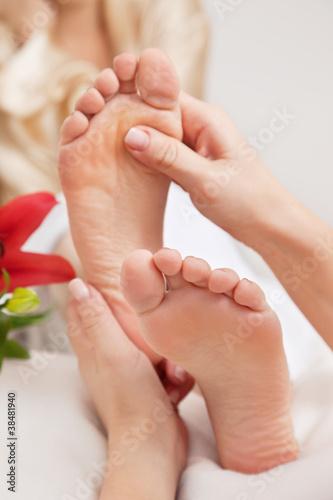 Fototapeten,entspannung,frau,fuss,foot massage