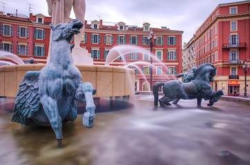 Fontaine de la place Masséna, Nice (filtre ND)