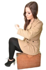 fille avec valise isolé
