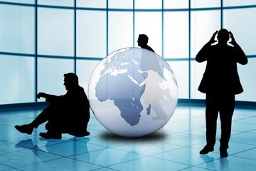 verzweifelte Geschäftsmänner vor Weltkugel