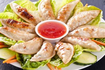 Gyoza mit Sauce