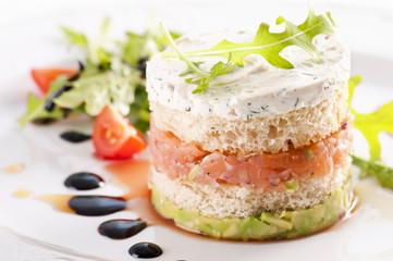 Snack mit Lachfillet