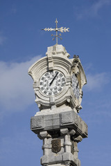 antico orologio a san sebastian, spagna