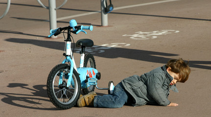 Chute de vélo enfant