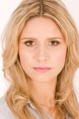 Portrait einer schönen blonden