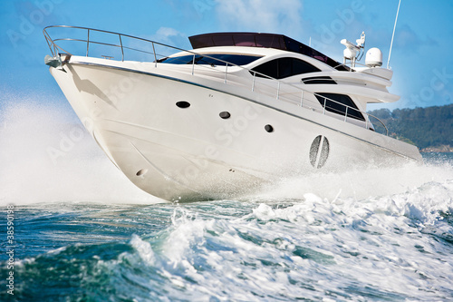motor boat - 38590198