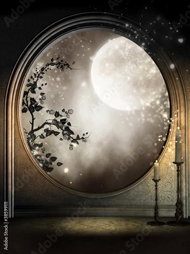 Okno fantasy z bluszczem i księżycem