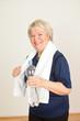 Aktive Sportliche alte Frau