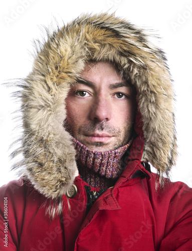 uomo con giacca
