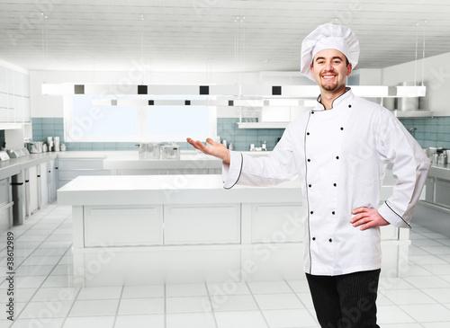 szef kuchni w kuchni