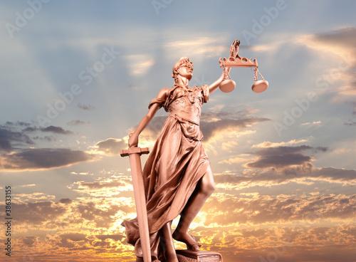 statua-sprawiedliwosci