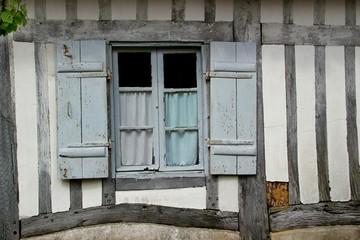 Colombage d'une maison ancienne des Landes.