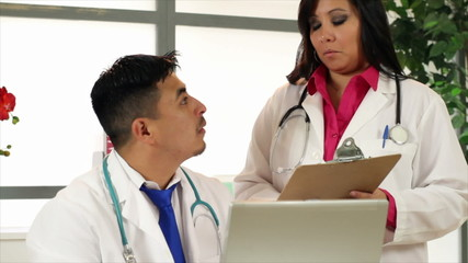 Hispanic Health Care Professionals Confer