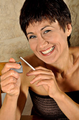 fumare sigaretta donna
