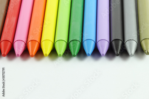 Colored crayons 02