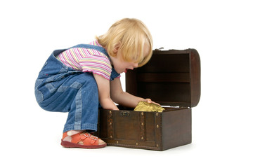 girl  with a treasure chest