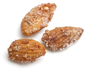 fried almonds with sugar and cinnamon