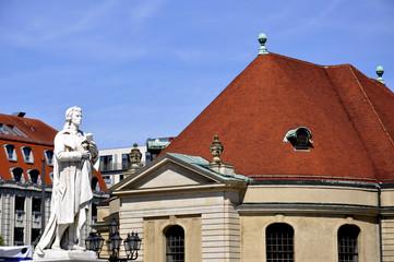 Berlin Schiller Denkmal vor dem Konzerthaus