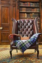 Tradycyjny fotel Chesterfield