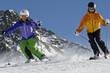 Skifahrer im Parallel Slalom