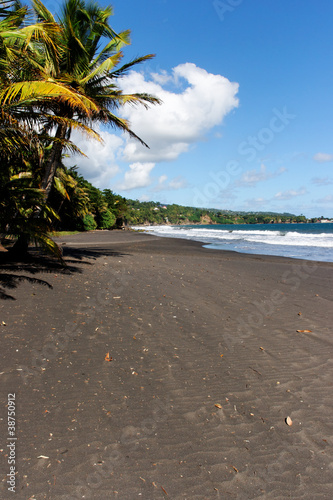 Plage de sable volcanique