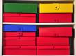 Contenitori e scatole colorate