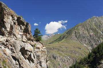 Кавказ, ущелье в Приэльбрусье