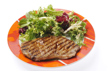 Carne e insalata