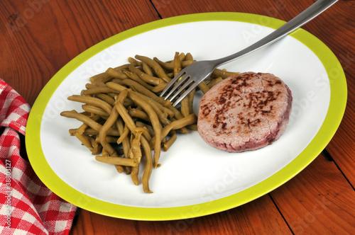 assiettes de haricots verts et steak hach by richard. Black Bedroom Furniture Sets. Home Design Ideas