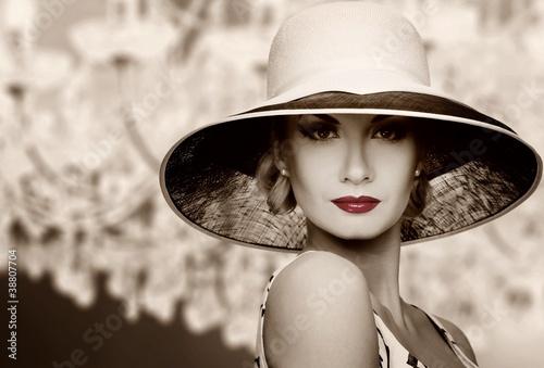 Fototapeta moda - kapelusz - Kobieta