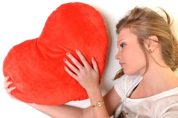 fille avec un coeur