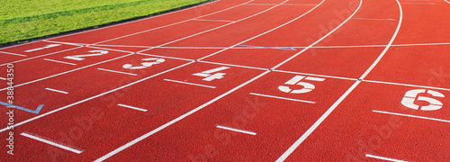 Leinwandbild Motiv laufbahn sport eins bis sechs