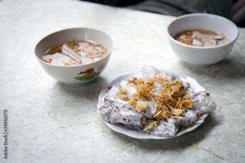 Vietnamese bánh cu?n nóng dish