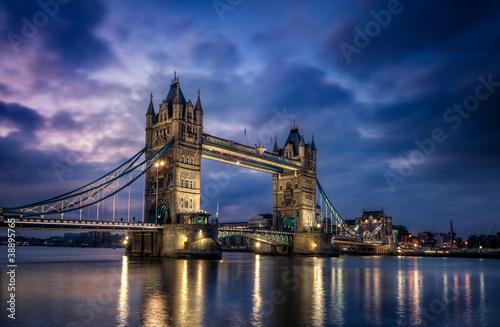 tower-bridge-londyn-anglia