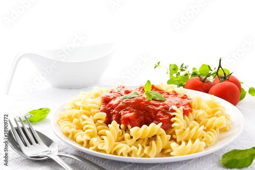 Nudeln mit Tomatensoße - 38909772