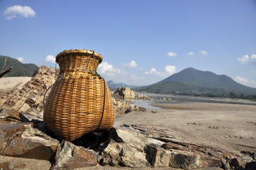 Bamboo Sand River Basket Creel Fish