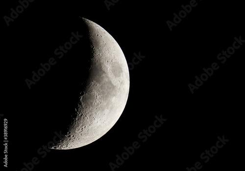 Half Moon - 38916929