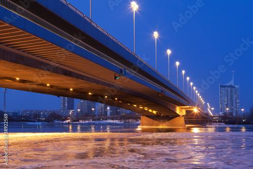 Wien bei Nacht, Donau