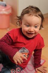 Portrait eines fröhlichen Kindes