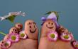 Verspielte, glückliche Füße