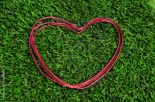 heart-shaped wire roll