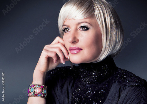 Portrait elegante, blonde Lady - female 12_2